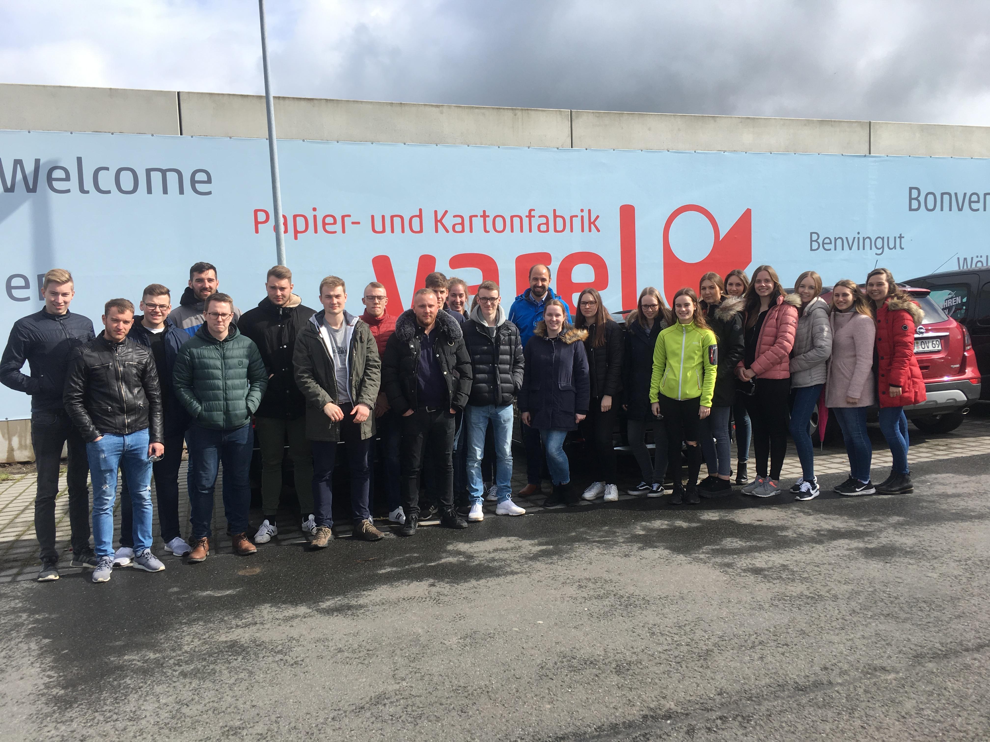 IK 1 besucht die Papier- und Kartonfabrik Varel (PKV)